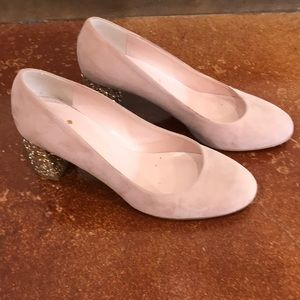 Kate spade size 7.5 blush suede w/gold heel pump